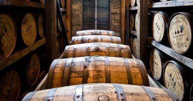 бъчви с уиски