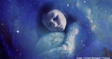 спящо момиче