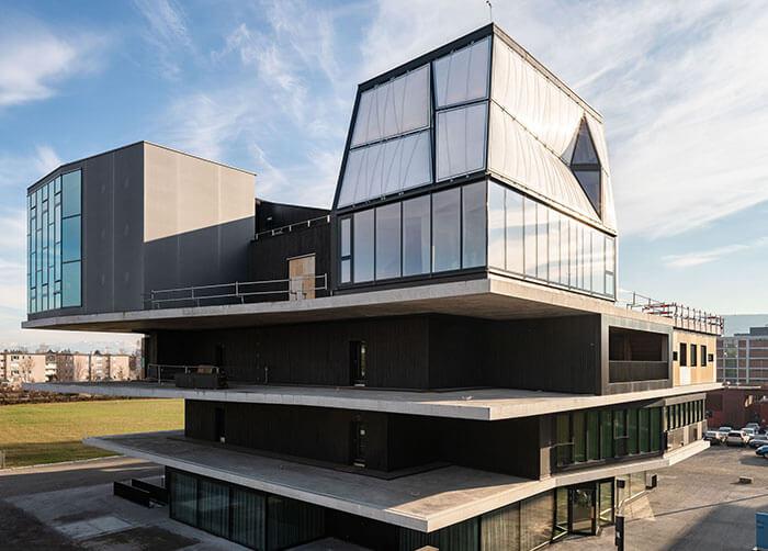 футуристична сграда