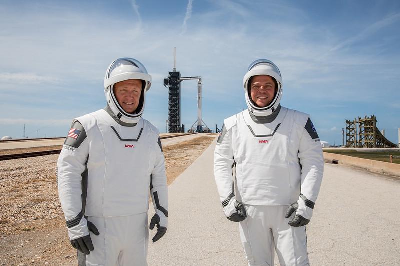 Aстронавтите Боб Бенкен и Дъг Хърли