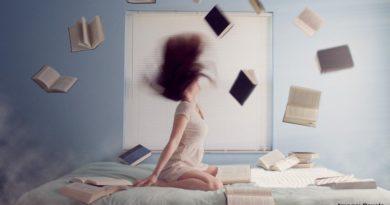 жена учи